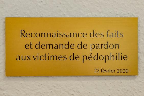Gedenktafel für die Opfer sexuellen Missbrauchs